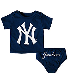 Outerstuff New York Yankees Mini Uniform Set, Infants (12-24 Months)
