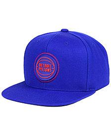 Mitchell & Ness Detroit Pistons Zig Zag Snapback Cap