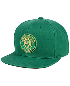 Mitchell & Ness Milwaukee Bucks Zig Zag Snapback Cap
