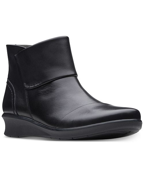 Clarks Collection Women's Hope Track Leather Booties