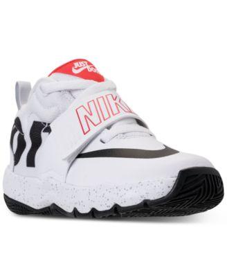 Team Hustle D8 Basketball Sneakers