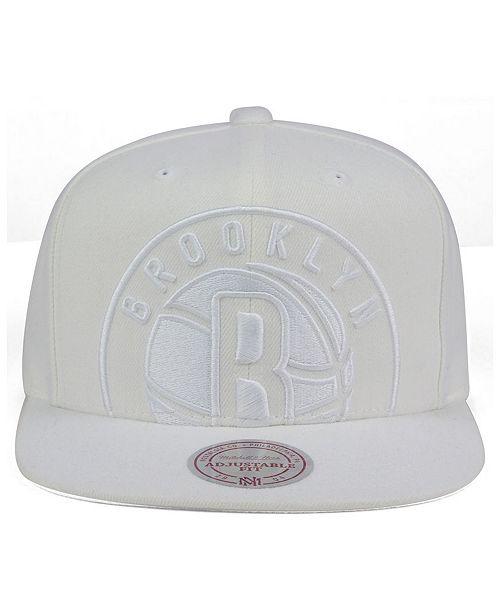 low priced 82348 4c8a5 ... Snapback Cap  Mitchell   Ness Brooklyn Nets Cropped XL Logo Snapback ...