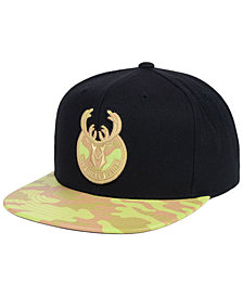 Mitchell & Ness Milwaukee Bucks Natural Camo Snapback Cap