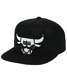 Mitchell & Ness Chicago Bulls XL Mesh Crop Snapback Cap