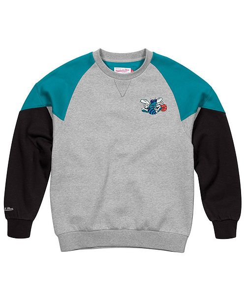 huge selection of 794d4 01f91 Mitchell & Ness Men's Charlotte Hornets Trading Block Crew ...