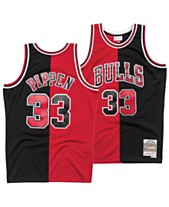 separation shoes fc4c0 baff0 Mitchell   Ness Men s Scottie Pippen Chicago Bulls Split Swingman Jersey