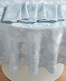 "Homewear Spring Jubilee Blue 70"" Round Dining Set w/ 6 Napkins"