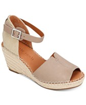 70fda55e697 Gentle Souls by Kenneth Cole Women s Charli Espadrille Wedge Sandals