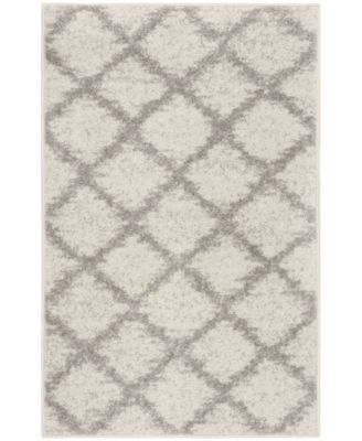 """Adirondack Ivory and Silver 2'6"""" x 4' Area Rug"""