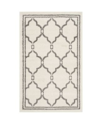 Amherst Ivory and Gray 5' x 5' Round Area Rug