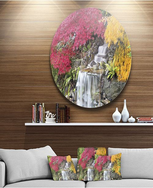 "Design Art Designart 'Japanese Maple Trees' Disc Floral Photography Circle Metal Wall Art - 23"" x 23"""