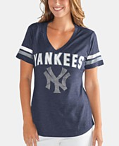c42173cb7 G-III Sports Women s New York Yankees Rounding the Bases T-Shirt