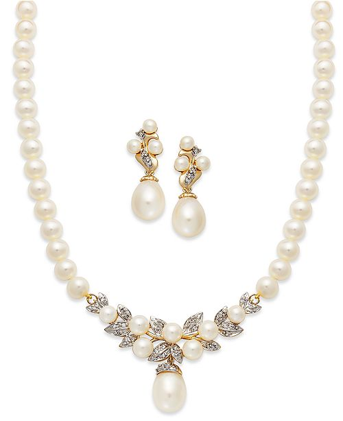 This Beautiful Jewelry Collection Is Crafted In 14k Gold And Features A Matching Pair Of Earrings Necklace With Cultured Freshwater Pearls Sparkling