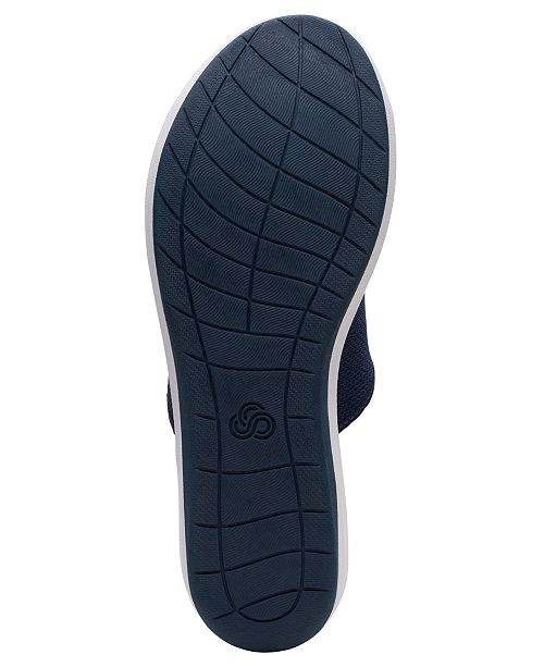 a831efdf3b4 Clarks Women s Cloudsteppers Step Cali Bay Slide Sandals   Reviews ...