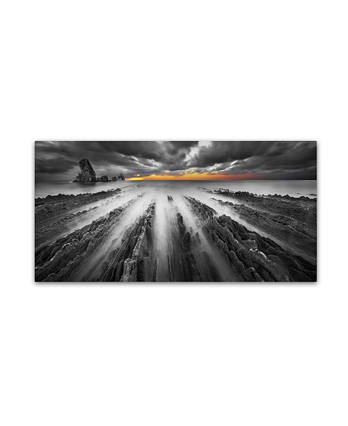 """Trademark Global Moises Levy 'Challenge BN color' Canvas Art - 32"""" x 16"""" x 2"""""""