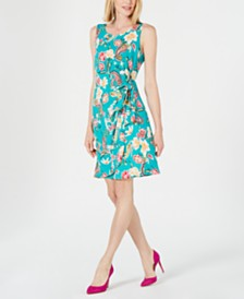 Robbie Bee Petite Floral Printed Faux-Wrap Dress
