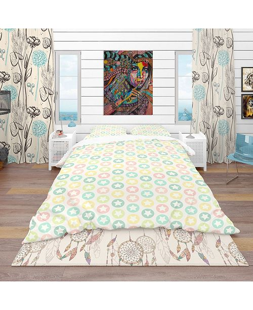 Design Art Designart 'Retro Pattern With Stars' Vintage Duvet Cover Set - King