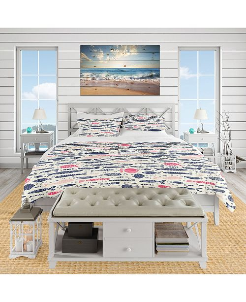 Design Art Designart 'Cute Fishes With Doodles' Nautical and Coastal Duvet Cover Set - King