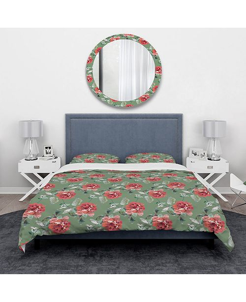Design Art Designart 'Red Rose In Green Background' Traditional Duvet Cover Set - Twin