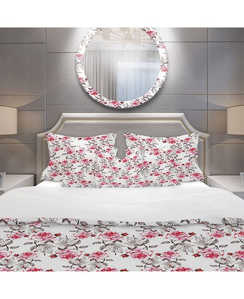 Design Art Designart 'Pattern With Red Roses' Modern and Contemporary Duvet Cover Set - King