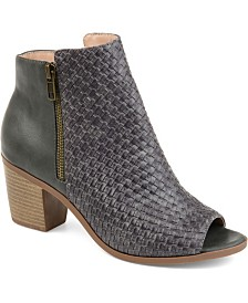 Journee Collection Women's Comfort Pilar Bootie