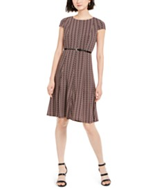 Jessica Howard Petite Belted Puff-Print Dress
