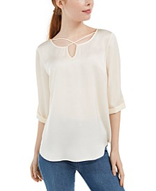 Juniors' Crisscross Keyhole Top