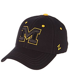 Michigan Wolverines Black Element Stretch Fitted Cap