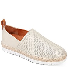 by Kenneth Cole Lizzy A-Line Sporty Flats