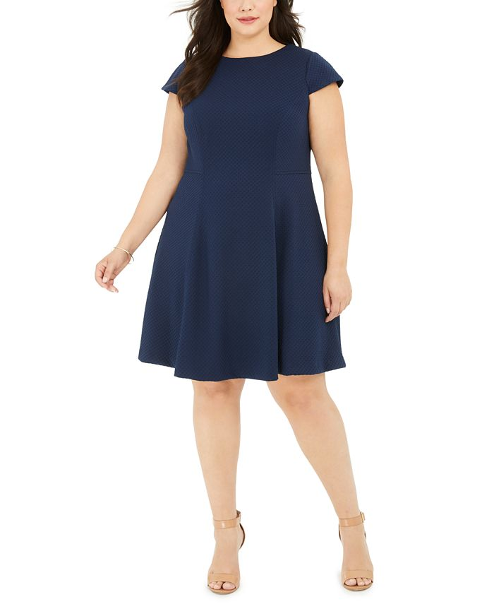 Jessica Howard - Plus Size Textured Fit & Flare Dress