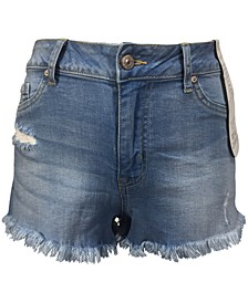 Juniors' Curvy-Fit Frayed Denim Shorts