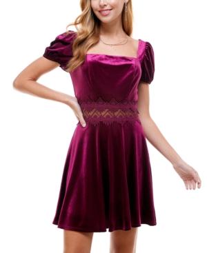 Juniors' Lace-Trim Puff-Sleeve Velvet Dress