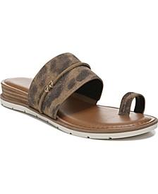Adelanto Toe-Ring Flat Sandals