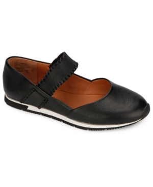 by Kenneth Cole Women's Luca Ruffle Mary Jane Flats Women's Shoes