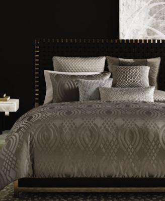 Dimensions Full/Queen Comforter