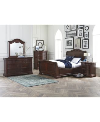 Amazing Styled In Mahogany Veneers Over Poplar Hardwoods, This Set Features Classic  Touches, Such As A Sleigh Bed Design U0026 Dovetailed Drawers.
