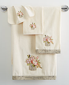"Avanti Antique Bouquet 11"" x 18"" Fingertip Towel"