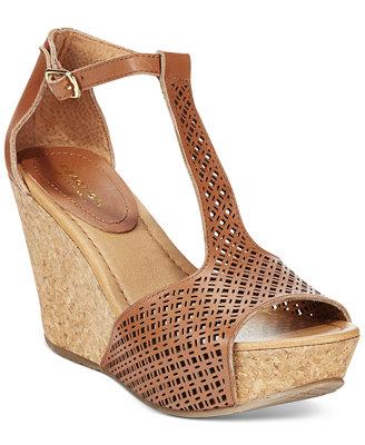 Perfect Kenneth Cole Reaction Women39s Cherry Tart Dress Sandals  Sandals