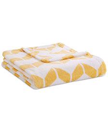 Intelligent Design Chevron Plush Full/Queen Blanket