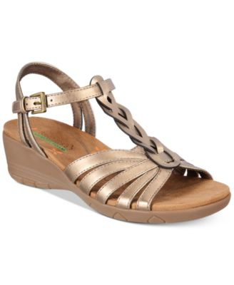 Image of Bare Traps Honora Wedge Sandals