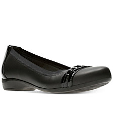 Clarks Collection Women's Kinzie Light Flats