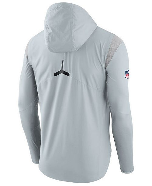 timeless design a2c70 43d61 Nike Men's Oakland Raiders Lightweight Fly Rush Jacket ...