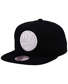 Mitchell & Ness New York Islanders Respect Snapback Cap