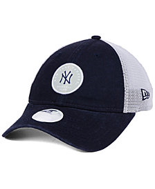 New Era Women's New York Yankees Washed Trucker 9TWENTY Cap