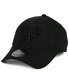 New Era New York Knicks Blackout 39THIRTY Cap