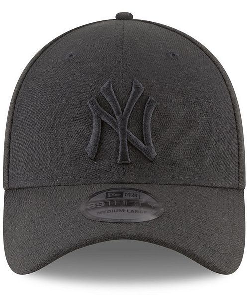 New Era New York Yankees Blackout 39THIRTY Cap - Sports Fan Shop By ... 2bc19b8f34c