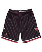 be4364ff546 Mitchell   Ness Men s Chicago Bulls Swingman Shorts