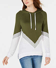 Hippie Rose Juniors' Chevron-Print Pullover Hoodie