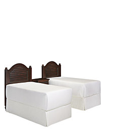 Chesapeake King Poster Bed and Two Night Stands
