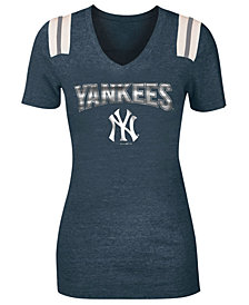 5th & Ocean Women's New York Yankees Shoulder Stripe Foil T-Shirt